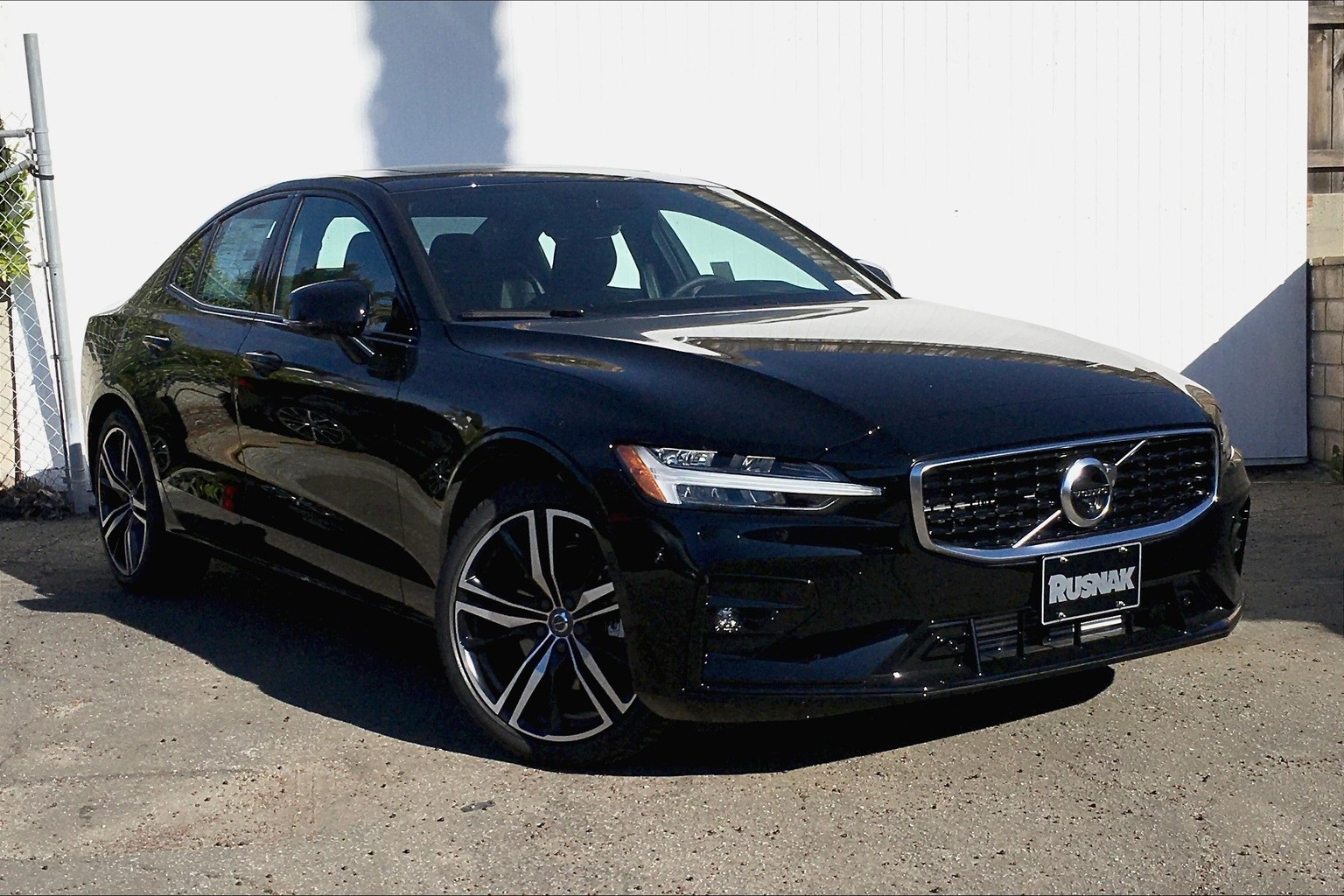 New 2020 Volvo S60 T5 R-Design