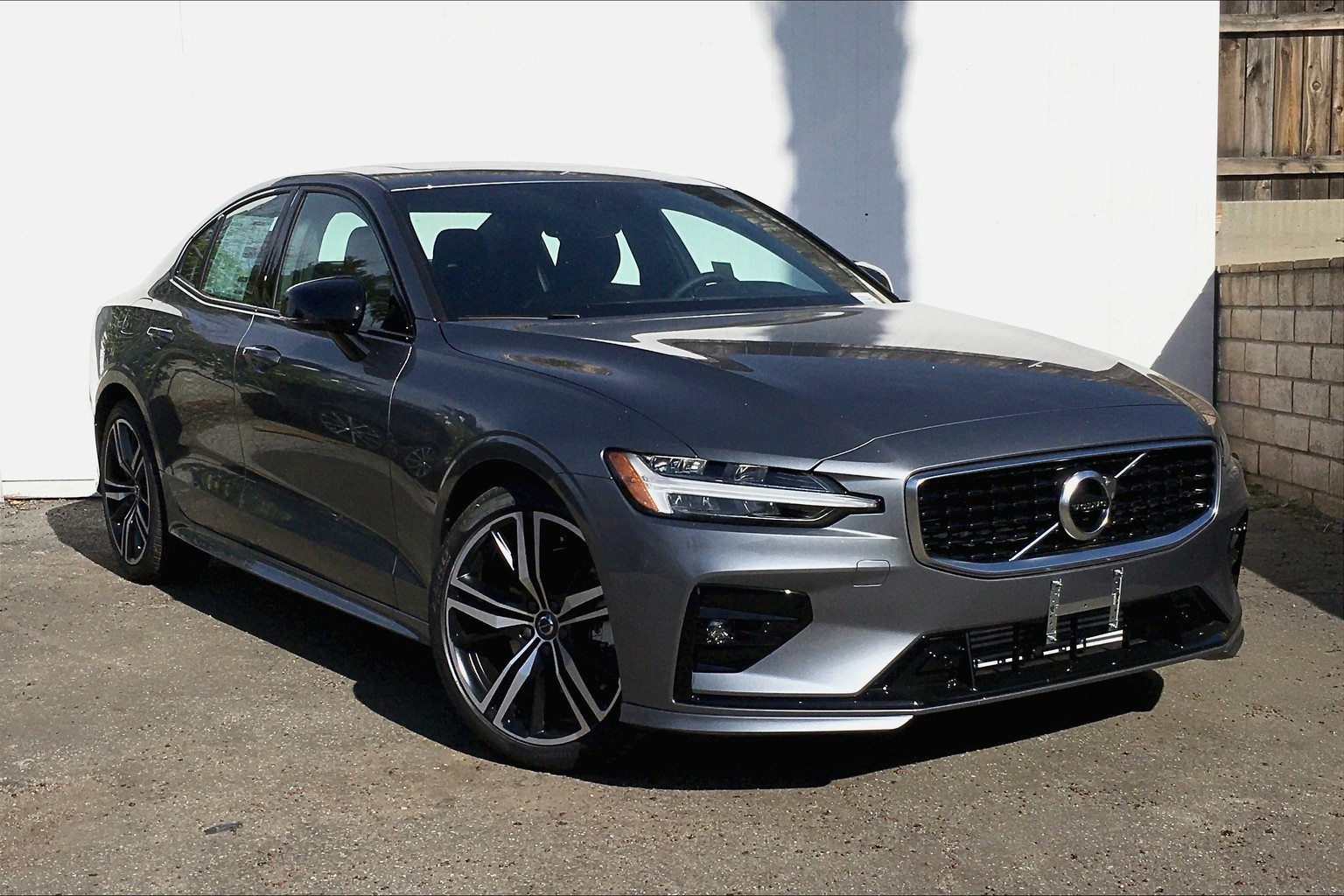 New 2020 Volvo S60 T5 R-Design 4D Sedan in Pasadena ...
