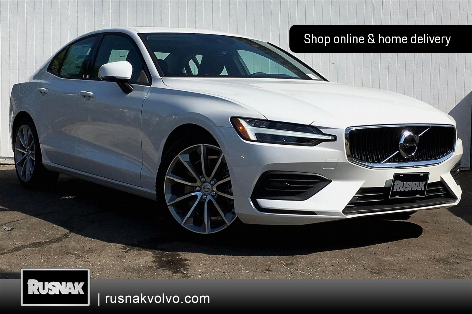 Pre-Owned 2019 Volvo S60 T6 Momentum