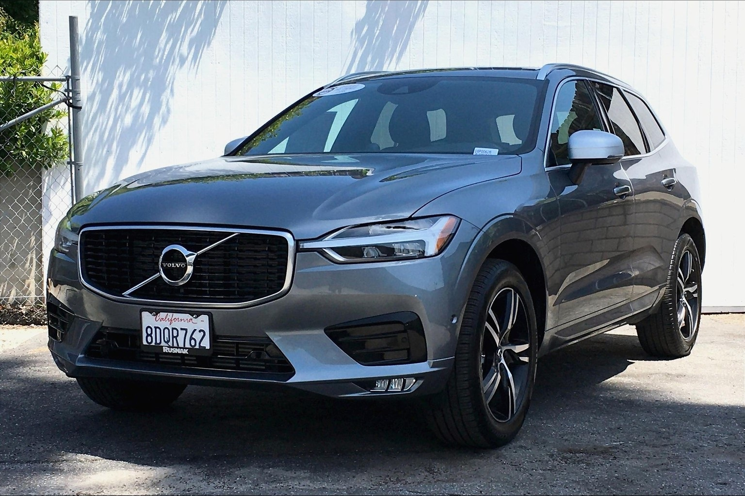 Certified Pre-Owned 2018 Volvo XC60 T6 R-Design