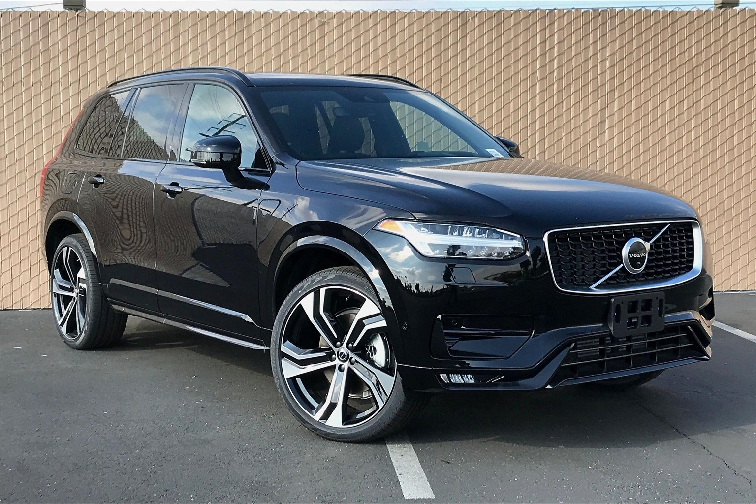 New 2020 Volvo XC90 T6 R-Design 4D Sport Utility in ...