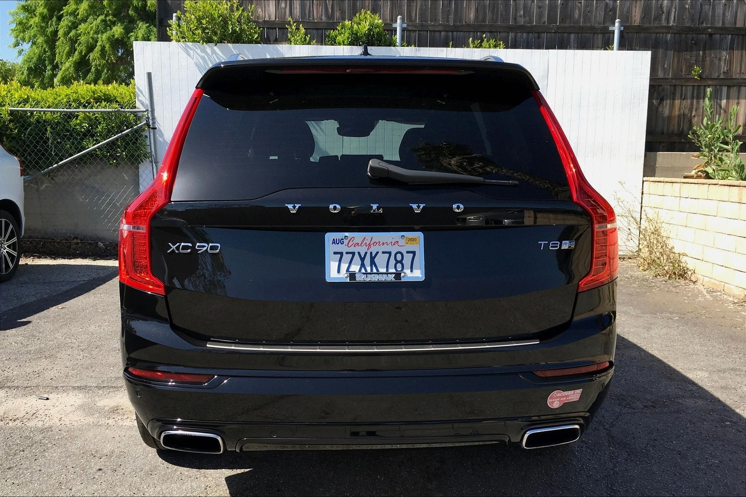 Certified Pre-Owned 2017 Volvo XC90 Hybrid T8 R-Design